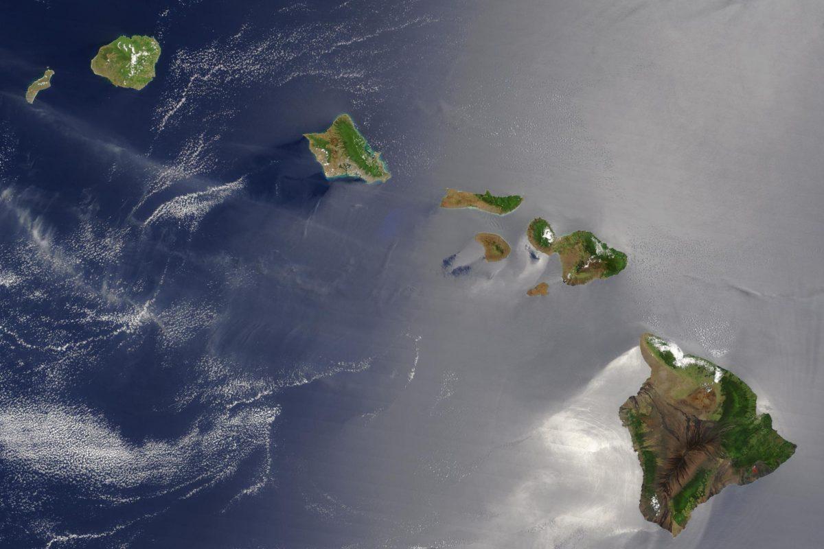 MODIS Image of Hawai'i, NASA Earth Observatory