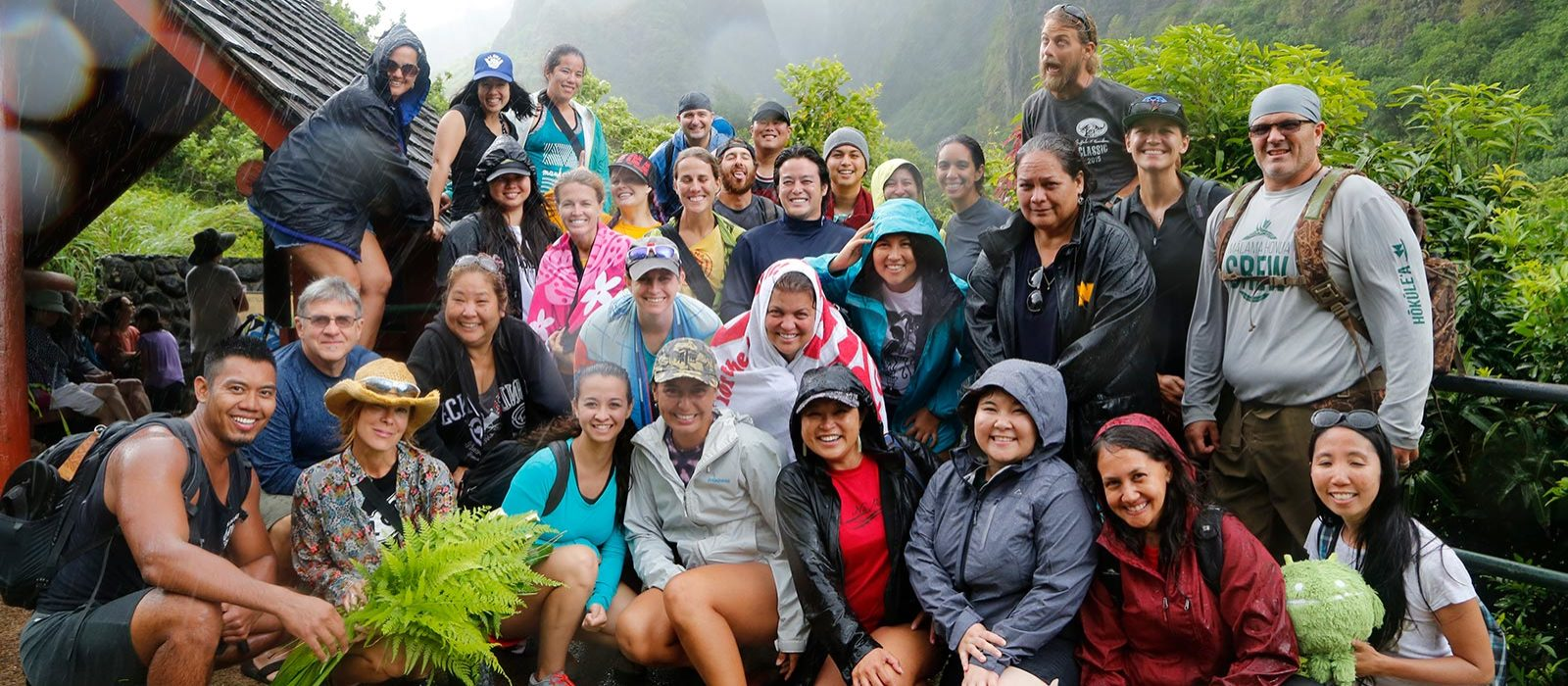 Students at Iao needle