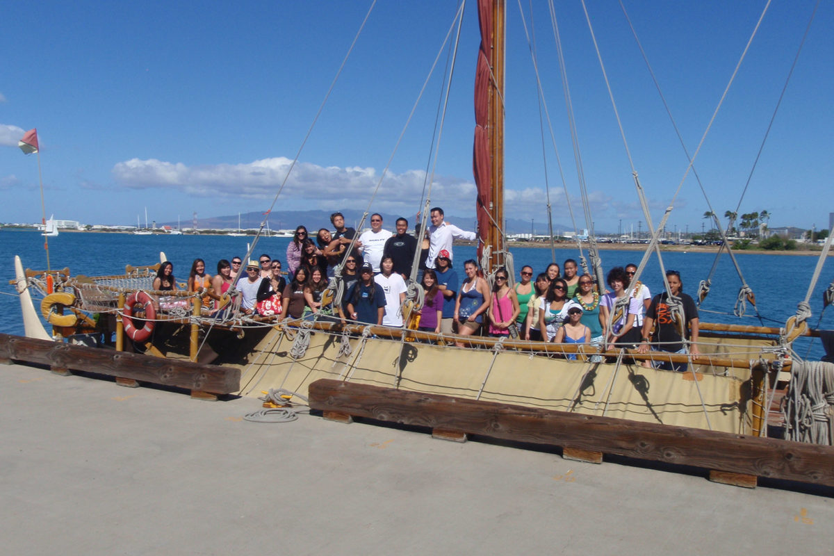 Students on the hokulea