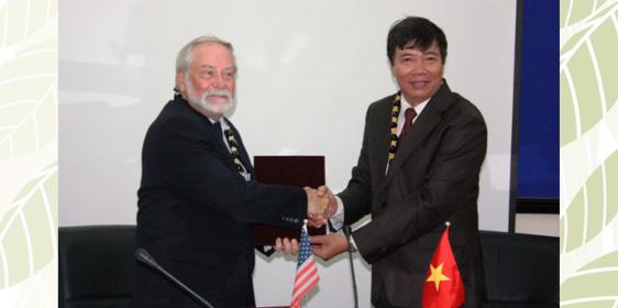VietnamwithNguyenKimHong - HCMC UE